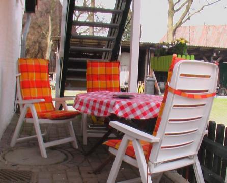Außensitzplatz auf Haflinger-Ferienhof