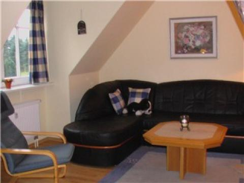 Sofaecke in der Maisonette-Wohnung auf Haflinger-Ferienhof Hamburg